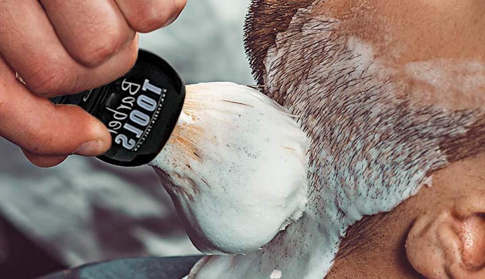 afeitarse con brocha